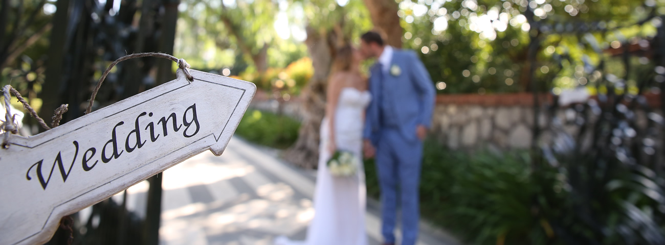 wedding-couple-weddings-italy-bride-groom-cropped